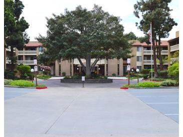 Photo one of 1775 Diamond St # 210 San Diego CA 92109 | MLS 180019550