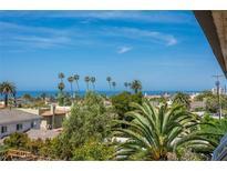 View 935 Genter # 406 La Jolla CA